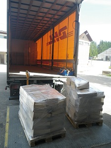 The_boxes_are_shipped_with_DHL
